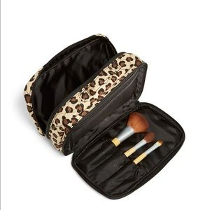 VERA BRADLEY BLUSH & BRUSH MAKEUP CASE IN LEOPARD